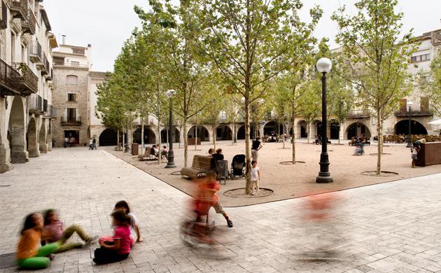 Urbanització de l'espai públic de Banyoles, 2013 International Stone Architecture Awards. Arquitecte: Josep Miàs. Foto: © Adrià Goula