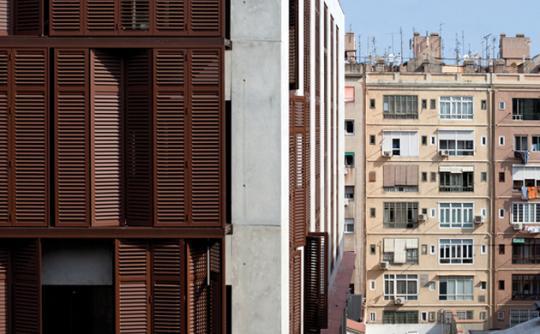 Habitatges carrer Còrsega. Projecte presentat a la Mostra d'Arquitectura de Barcelona. Arquitecte: Víctor Rahola. Foto: © Juny Brullet