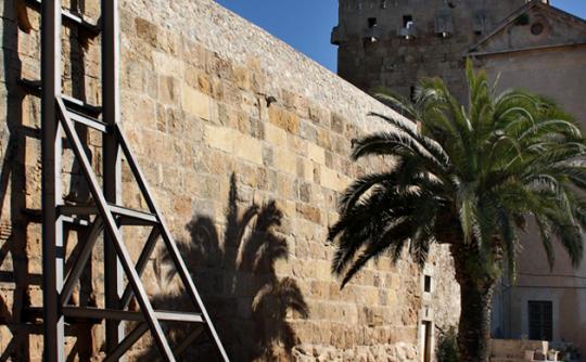 Restauració de la Muralla de Tarragona. Projecte presentat a la Mostra d'Arquitectura del Camp de Tarragona. Arquitectes: Joan Gavaldà, Joan Figuerola i Jordi Romera. Foto: © Joan Forns